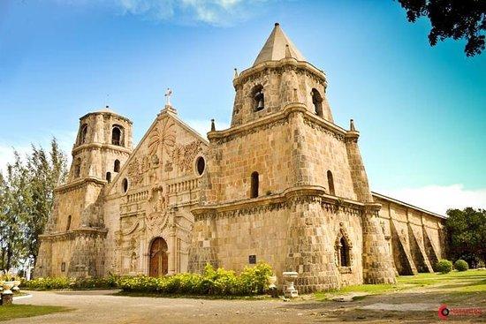 Santo Tomas de Villanueva Church
