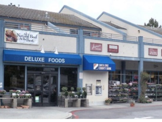 Front entrance to Deluxe Foods, Aptos