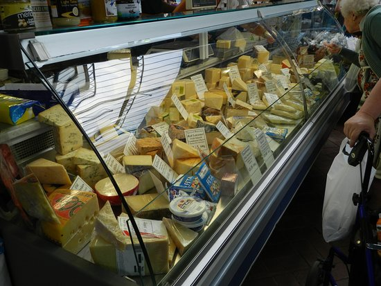 Abergavenny, UK: Good selection of cheese