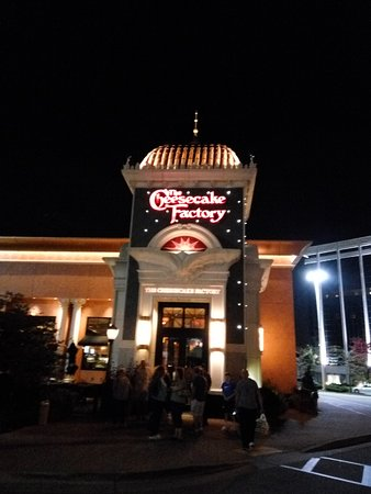 Wauwatosa, WI: Cheesecake factory in Wisconsin