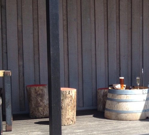 Wine Bar Mona : Outside area