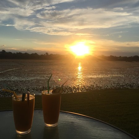 Food - Picture of Sails Bar And Bistro At Lakeside Resort Kununurra - Tripadvisor