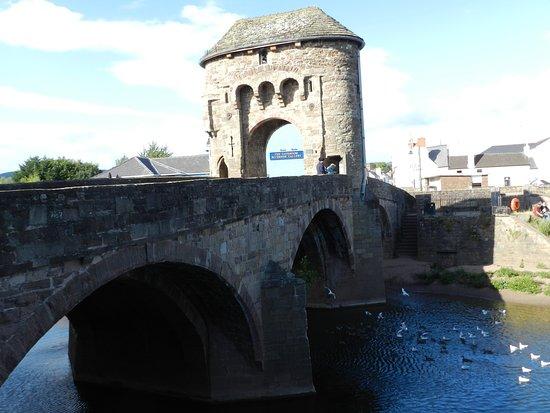 Monmouth, UK: Monnow Bridge with its Gatehouse