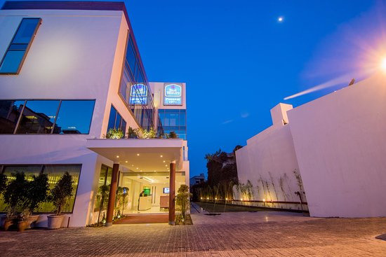 Phagwara, India: Best Western Poonam 1971 Come with a new luxury rooms & other hotel facilities.............