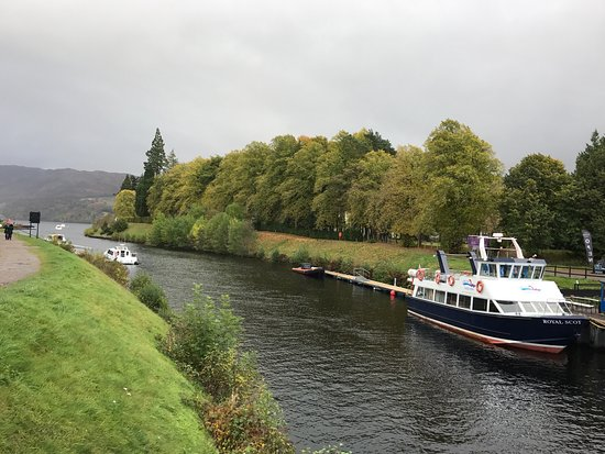Fort Augustus, UK: On a semi sunny afternoon cruise