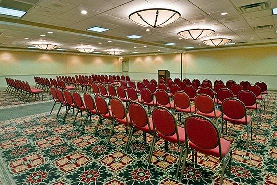 ชารอนวิลล์, โอไฮโอ: Ballroom - Theatre Style