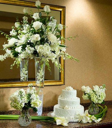 Tysons Corner, VA: Elegant Wedding Cake