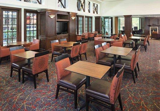 Edina, Миннесота: Breakfast Dining Area