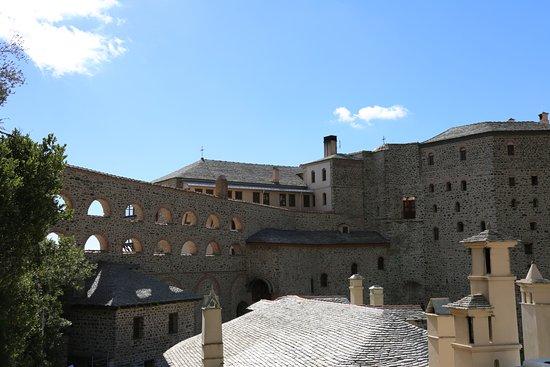 Mount Athos, Grécia: View of the Monastery
