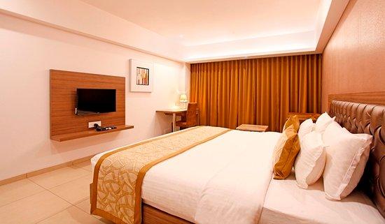 Interior - Picture of Hotel Dwarkamai, Nagpur - Tripadvisor