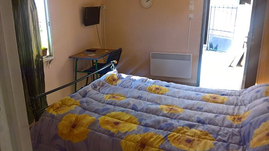 hotel avenir perpignan france voir les tarifs 11 avis et 17 photos. Black Bedroom Furniture Sets. Home Design Ideas