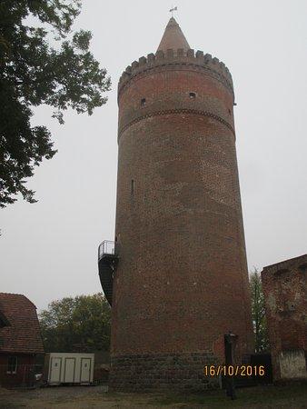Burg Stargard im Oktober: Bergfried