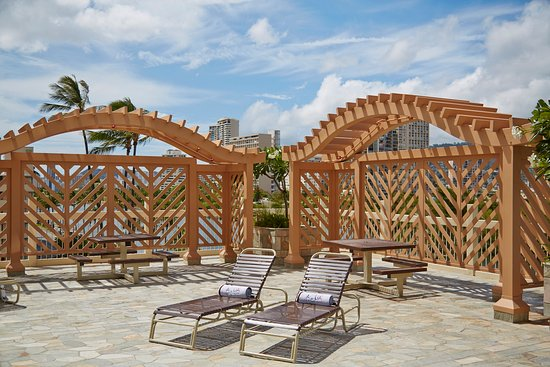 Aqua Skyline At Island Colony Sun Trellis