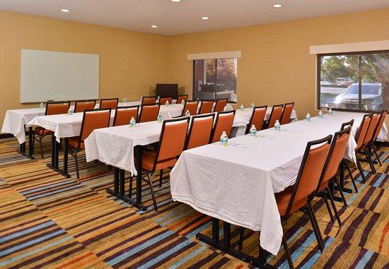 Jeffersonville, IN: Meeting Room - Classroom Setup