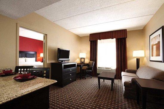 Webster, TX: 1 Bed Suite Living Area