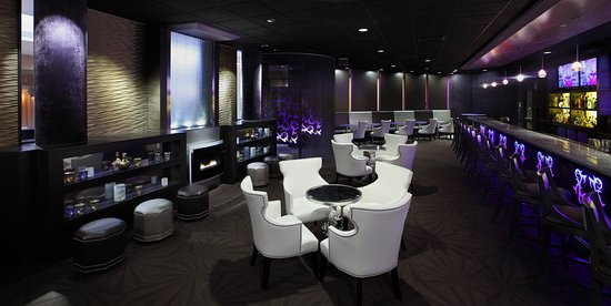 Natick, MA: The Violet Thorn Bar and Lounge