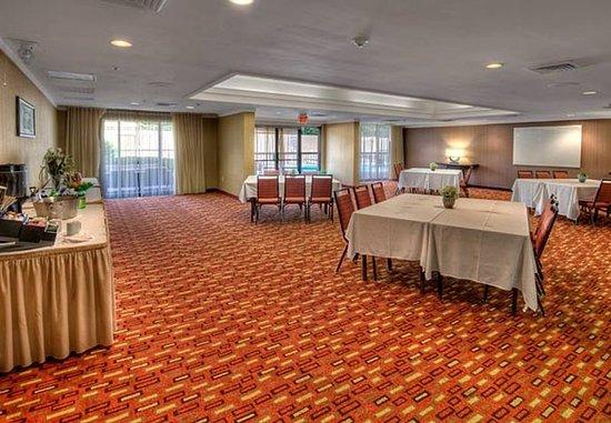 Burlington, NC: Caroline Meeting Room