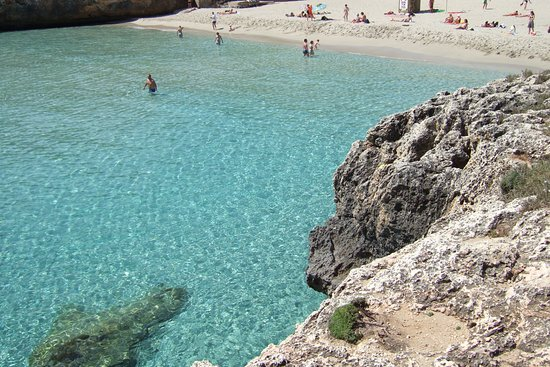 Boats you can hire - Picture of Cala Domingos, Calas de Majorca - TripAdvisor