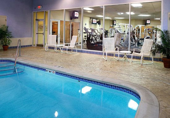 West Des Moines, IA: Indoor Pool and Fitness Center