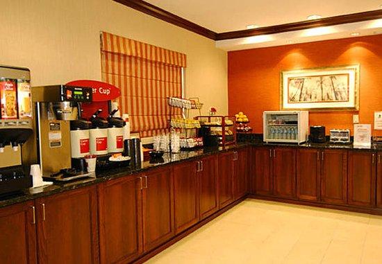 Lady Lake, فلوريدا: Breakfast Buffet