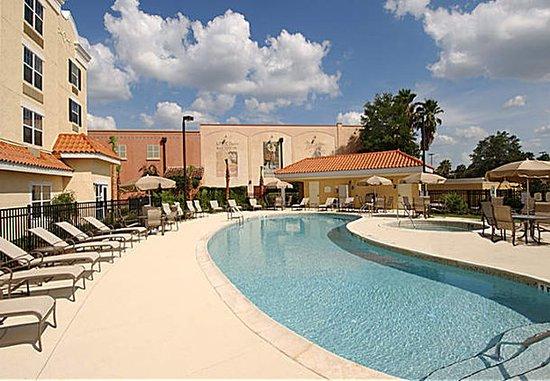 Lady Lake, فلوريدا: Outdoor Pool