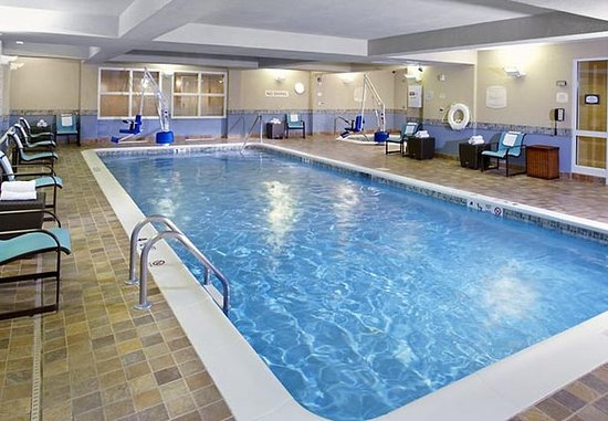 East Rutherford, Nueva Jersey: Indoor Pool