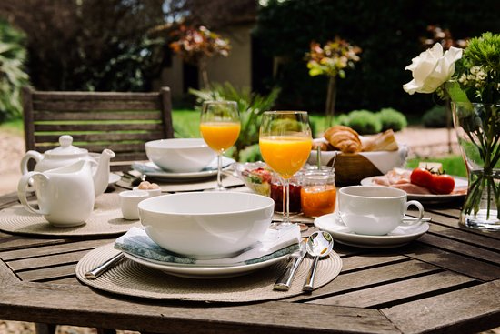 Montagnac, Francia: Breakfast is complimentary