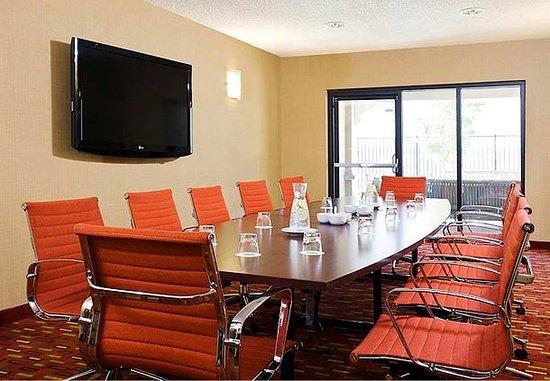 Novato, CA: Boardroom