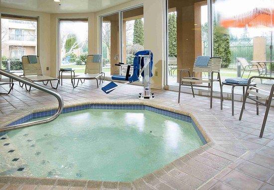 Lynnwood, WA: Indoor Whirlpool