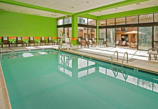 Courtyard New Carrollton Landover: Indoor Pool