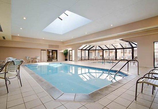 Eden Prairie, MN: Indoor Pool & Hot Tub