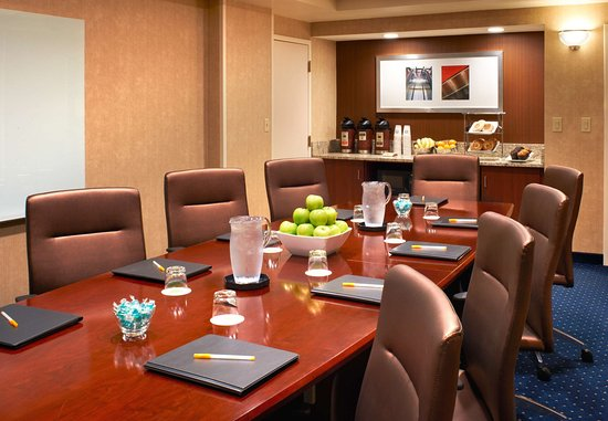 Covington, KY: Executive Boardroom