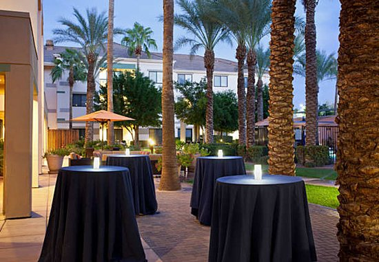 Chandler, AZ: Outdoor Social Event