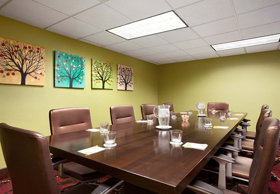 Layton, UT: Executive Boardroom