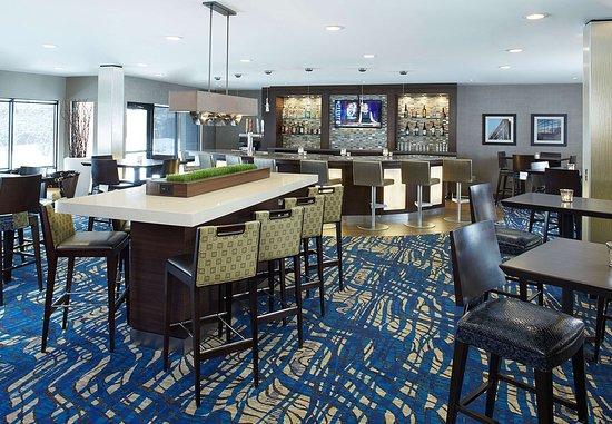 Englewood, Colorado: Lobby Bar
