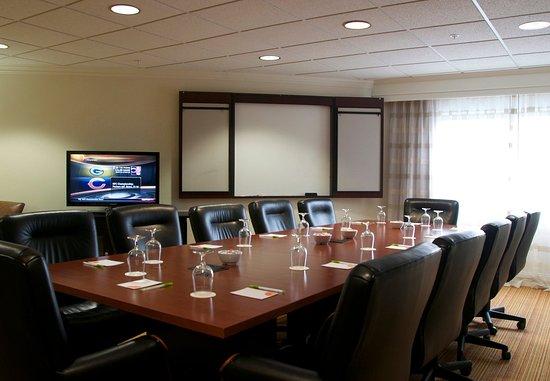Hickory, NC: Executive Boardroom