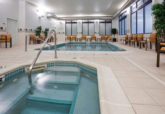 Rochester, MN: Indoor Pool & Whirlpool