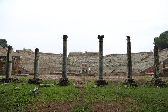 Остия-Антика, Италия: Ostia Antica theatre