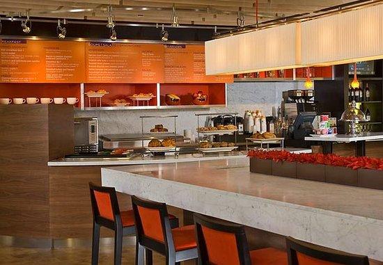 Springfield, VA: Communal Table
