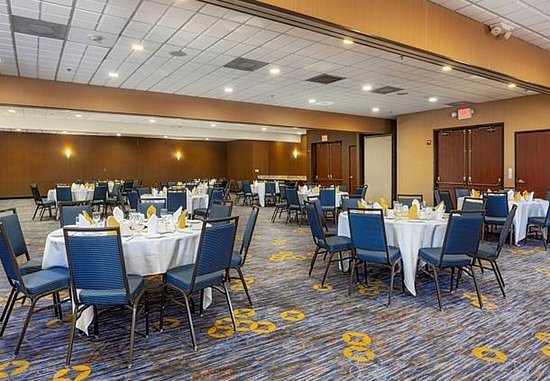 Fairfield, CA: Ballroom