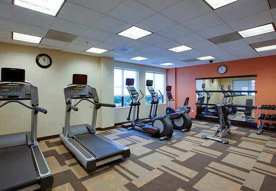 Farmingdale, NY: Fitness Center