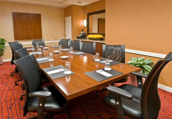 West Chester, OH: Boardroom