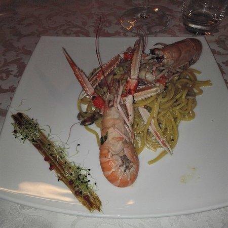 Monfalcone, Italie : IMG_20161012_204350_large.jpg