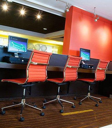 Moosic, PA: Business Center
