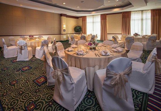 Gaithersburg, MD: Ballroom – Banquet Setup