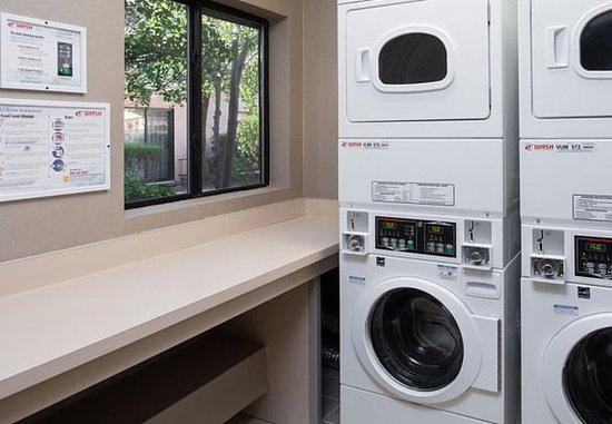 Vacaville, Kalifornien: Guest Laundry