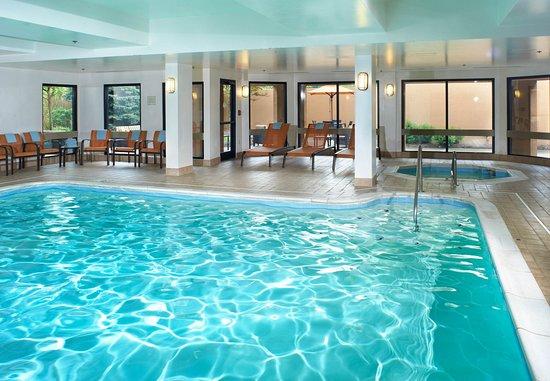 นอร์ทโอล์มสเต็ด, โอไฮโอ: Indoor Pool & Hot Tub