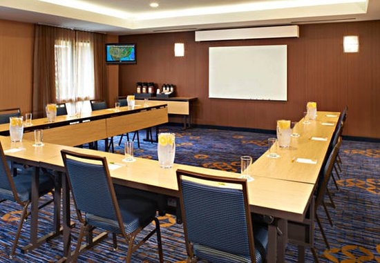 รอสส์ฟอร์ด, โอไฮโอ: Meeting Room