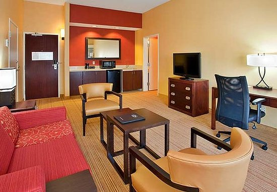 Stafford, TX: King Suite