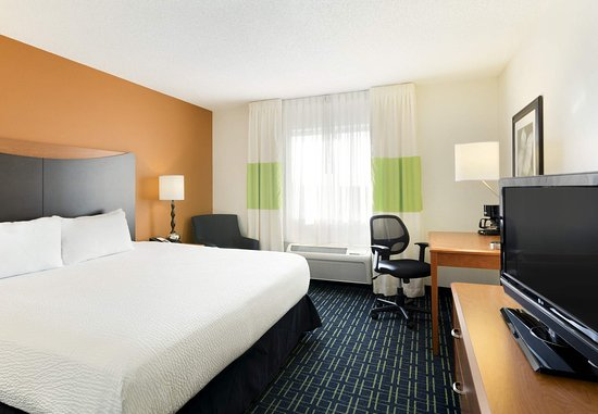 Maumee, OH: King Guest Room